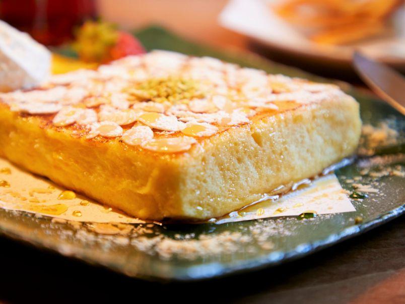 """最高級食パンで作る""""プリン""""みたいな究極のフレンチトースト"""