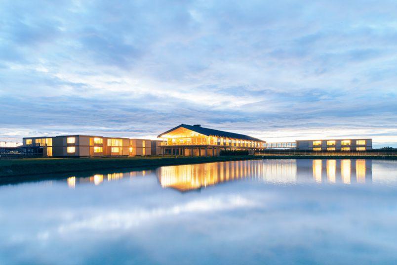 田園に浮かぶフォトジェニックな最新ホテル!アート&グルメの庄内たび