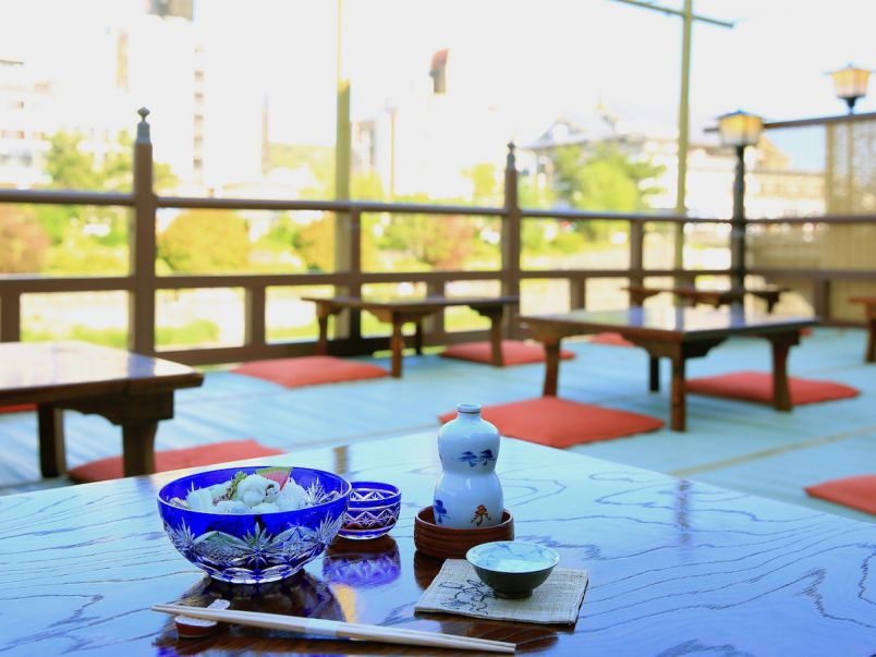 京都の夏といえば川床! 先斗町のレトロな老舗「大當両」へ