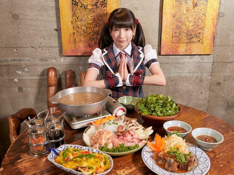 国産パクチーどっさり!パクチー鍋&タイ料理【大食いアイドルもえのあずきの絶品グルメ27】