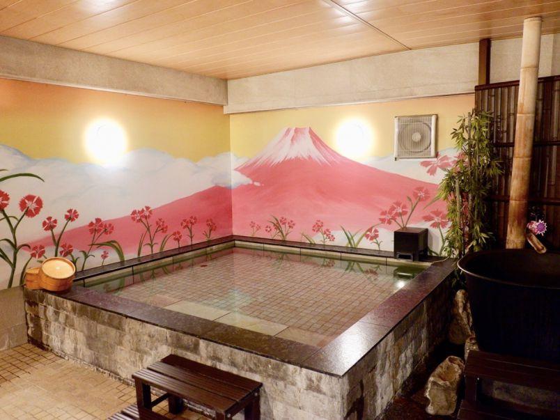 渋谷にいることを忘れちゃう!大人の秘密基地みたいな女性専用カプセルホテル