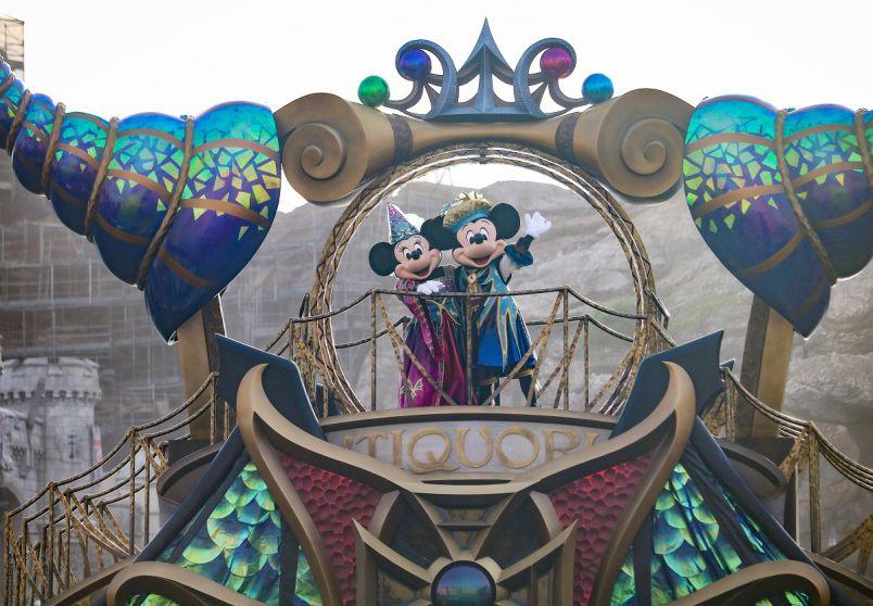 初開催!東京ディズニーシーのハロウィーンエンタメ「フェスティバル・オブ・ミスティーク」はココで見る