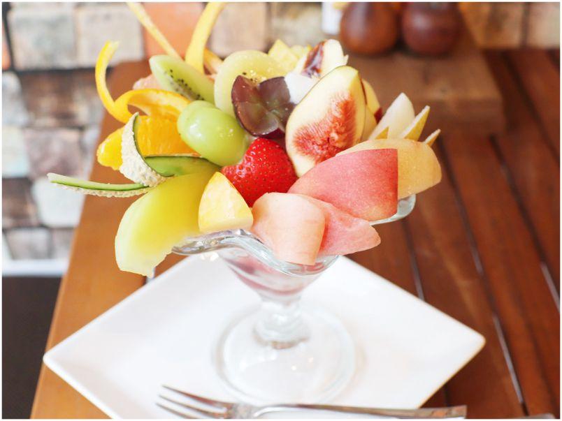 この秋食べたい大本命!贅沢すぎる究極のフルーツパフェ