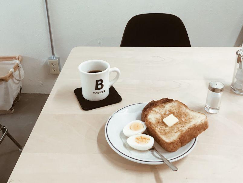 おしゃれでコーヒー好きな人々が集うカフェ BROWN COFFEEのオリジナルグッズ【yui推薦、旅して見つけたおみやげ14】
