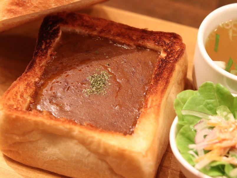 """さくさく&ふわもち食パンにおかずがインした""""ハコパン""""。大阪ランチに"""