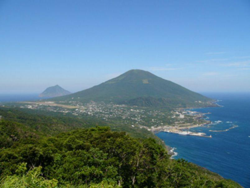 いま観光客増加中!?非日常感を味わえる八丈島の絶景スポット4選