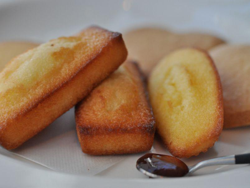 お菓子工場直送!「アンリ・シャルパンティエ」の焼き立てフィナンシェ