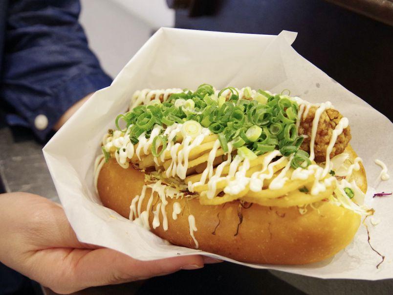 350円でお腹いっぱい! 味もコスパも最高のビッグな鶏サンド