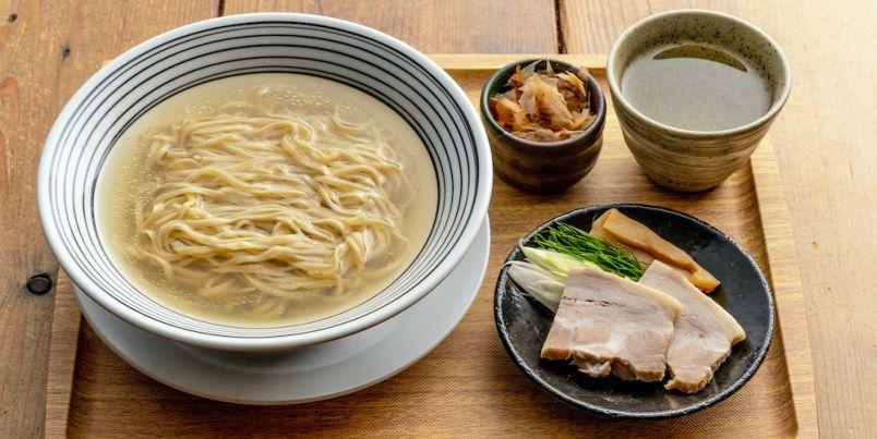 """大阪の人気居酒屋が、出汁にこだわった""""和食的中華麺""""のお店に転身!"""