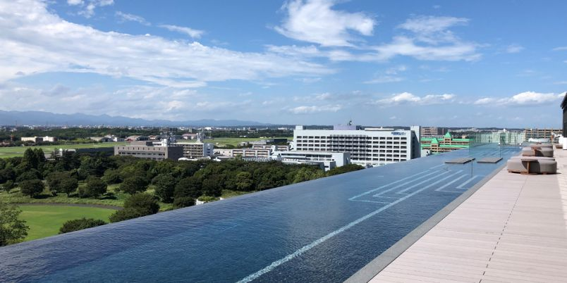 新宿から約30分!「SORANO HOTEL」の最上階インフィニティプールが最高に贅沢