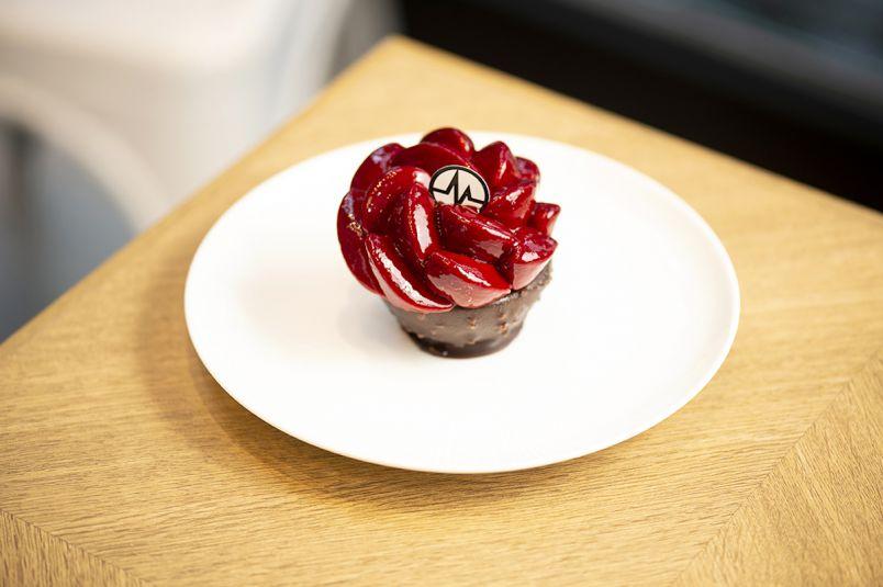 日本限定スイーツも!パリのスターパティシエが贈る麗しのケーキを表参道で