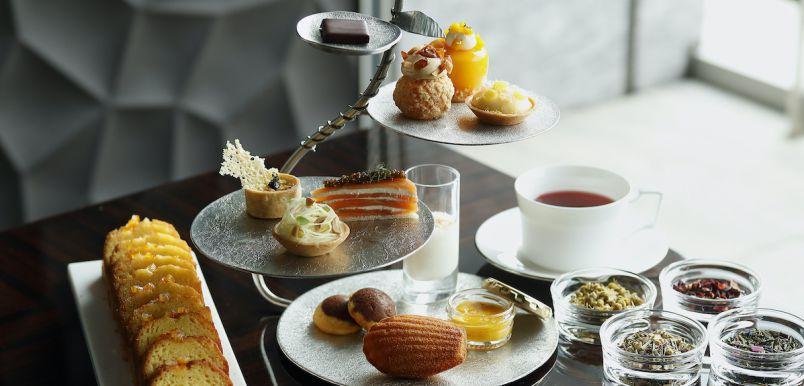五ツ星ホテルと料理界巨匠のコラボ。日本食材をフレンチで味わうアフタヌーンティー