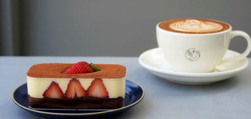 大阪・工場エリアにある韓国カフェ「CAFE no.888」。韓国インテリアに映えティラミスで気分はソウル!