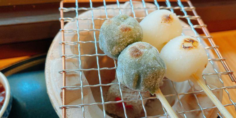 七輪で炙る焼き立て串団子が大人気の「excafe」の新店「eXcafe祇園八坂」へ!