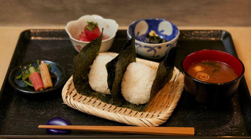 新米の季節到来!鎌倉・若宮大路の極上のおむすび専門店「おこめ天松堂」