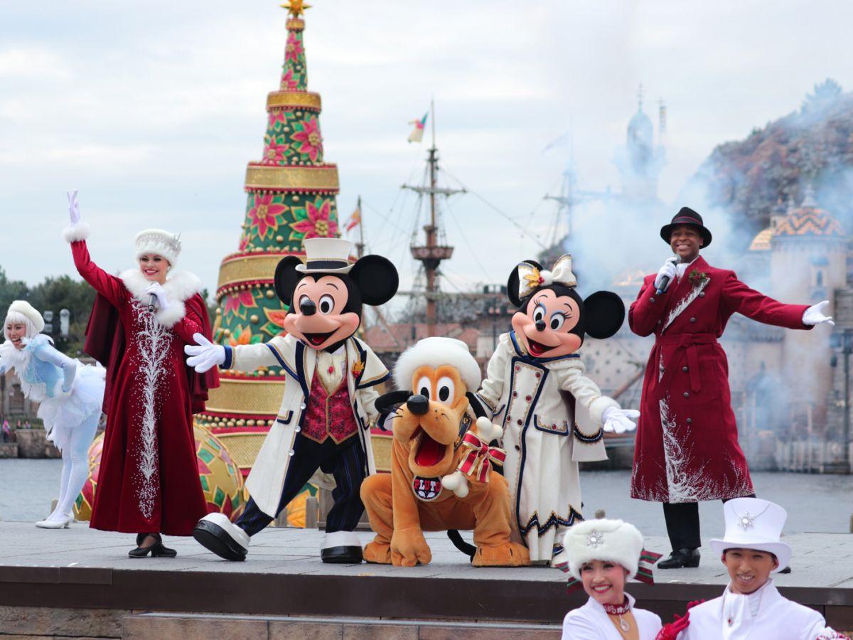 東京ディズニーシーのクリスマスショー「イッツ・クリスマスタイム!」の