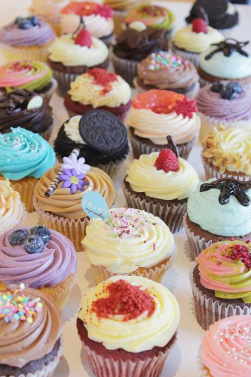 2015年、原宿に日本第1号店をオープンし、色鮮やかさとかわいい見た目で大人気となった「LOLA\u0027S Cupcakes  Tokyo」。六本木ヒルズ店の2号店に続き、今回、3号店目となる