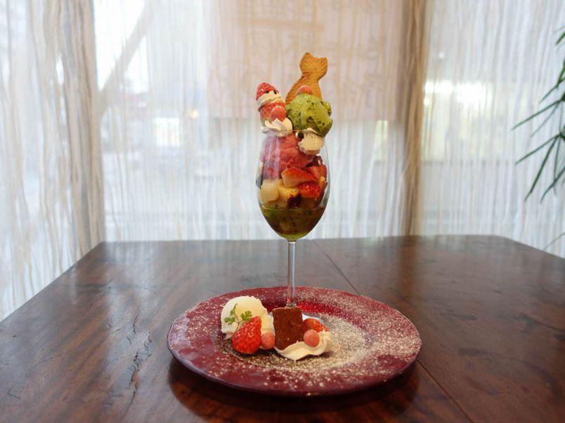 広島・宇品で味わう季節の味。旬のフルーツをたっぷり使ったパフェ