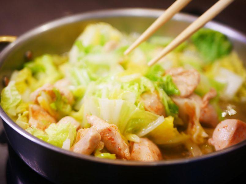 金沢グルメの新定番が話題!お腹いっぱい食べてもヘルシーな「とり白菜鍋」って?