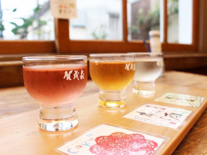 日本酒の甘い香りにうっとり お酒を飲む人も飲まない人も楽しめる酒蔵カフェ「酒泉館」